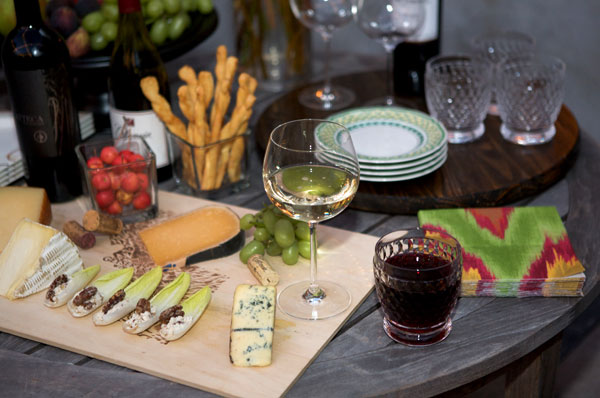 How to Have a Wine and Cheese Tasting