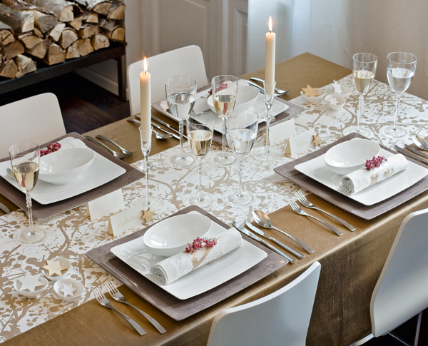 5 Steps To Holiday Tablescape Design - On the Table