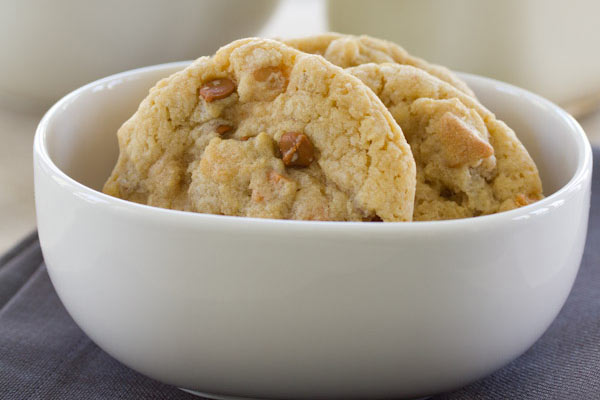Recipe: Chewy Oatmeal Cookies with Butterscotch & Cinnamon