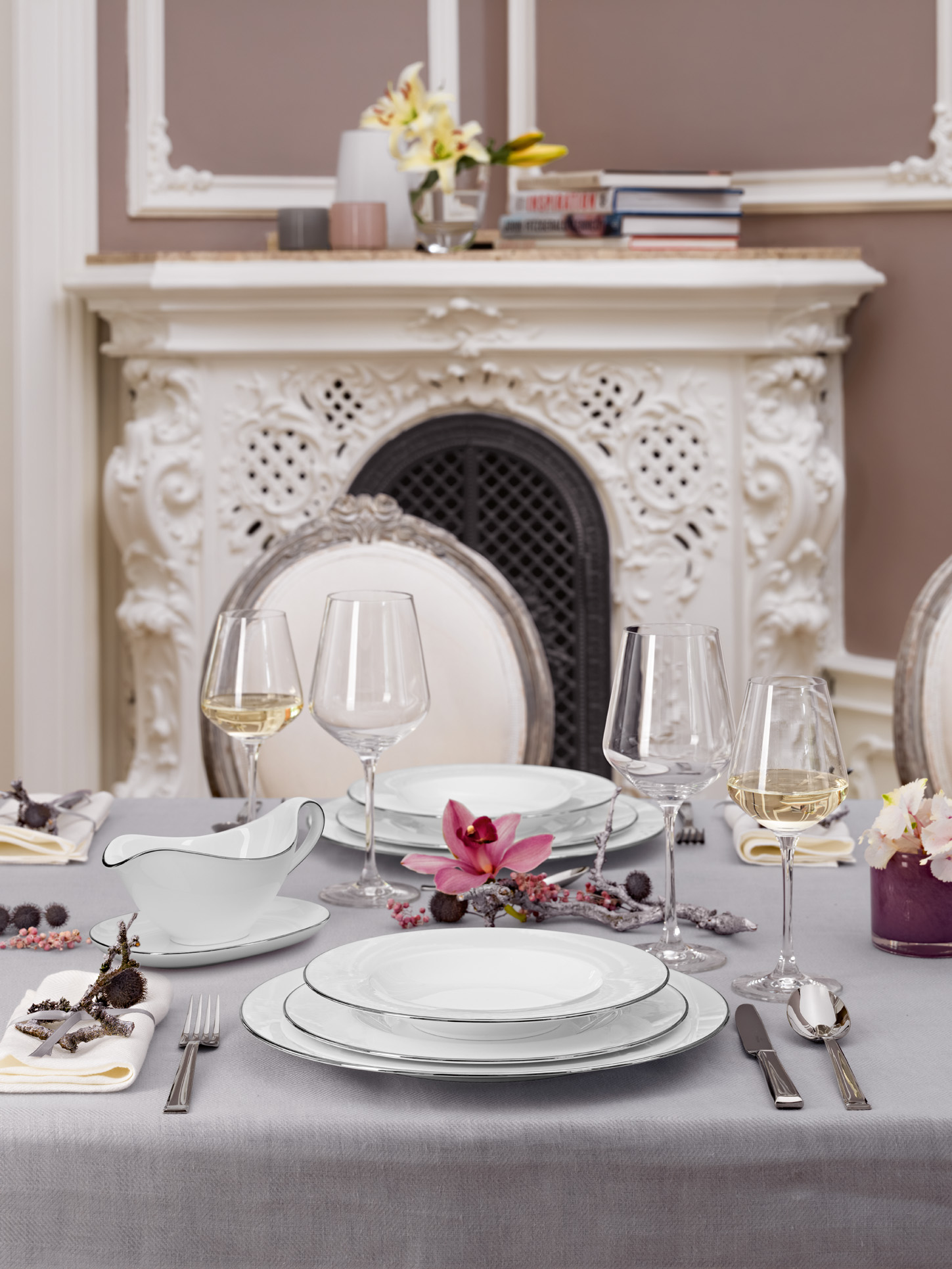 4 Romantic Tablescapes for Valentine's Day