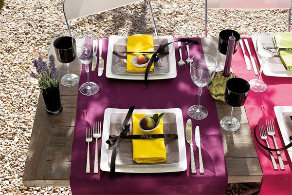 Ribbon seating cards on Modern Grace dinnerware