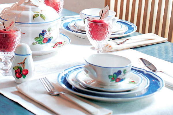 Country inspired name cards on French Garden dinnerware