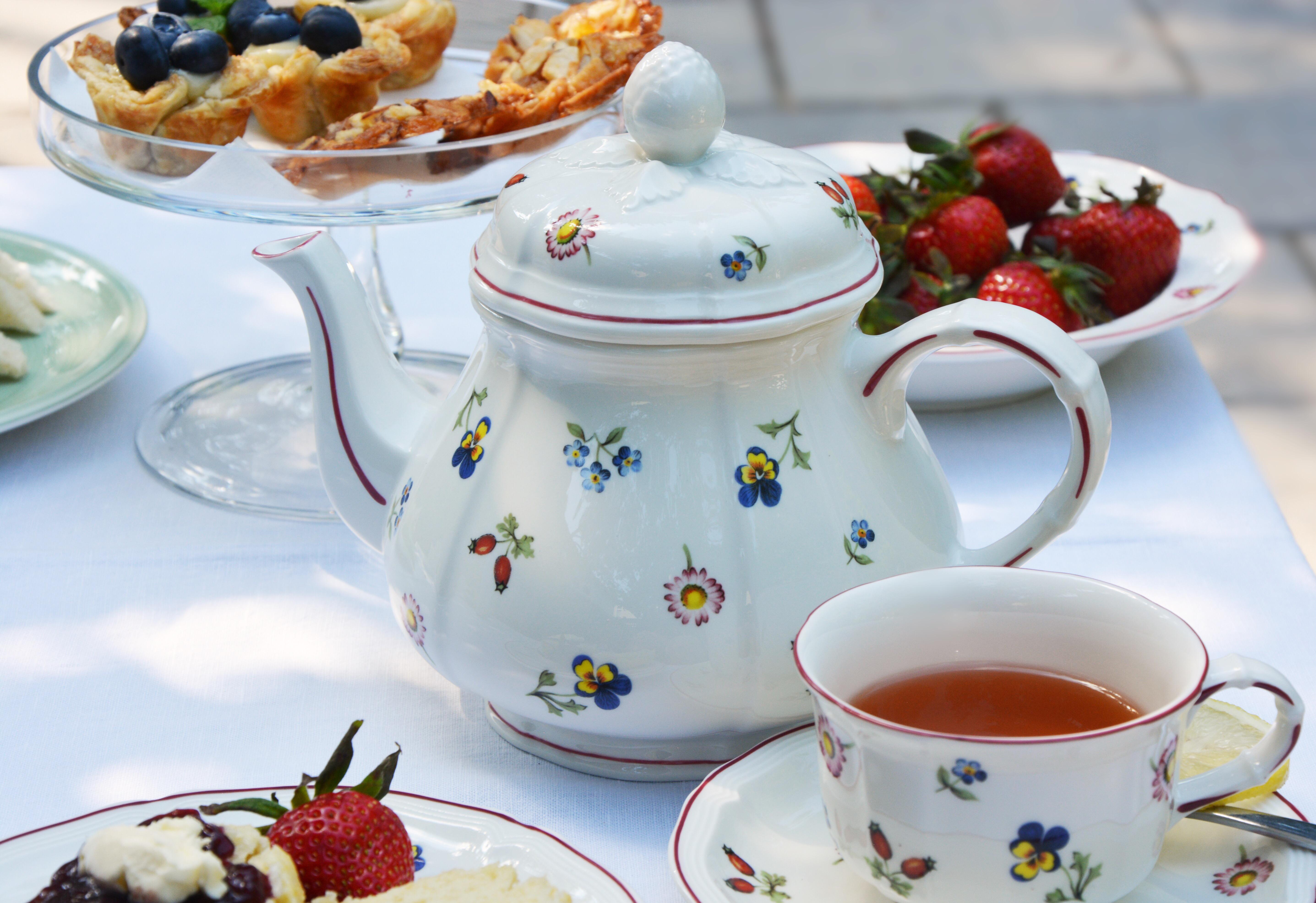 Petite Fleur teapot and teacup